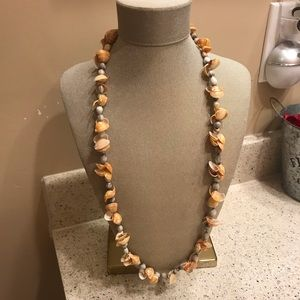 Jewelry - Vintage seashell necklace